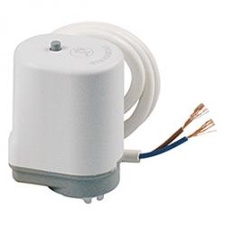 Giacomini R478 Termoelektrická hlava pro termostatické ventily a rozdělovače, bez proudu otevřeno